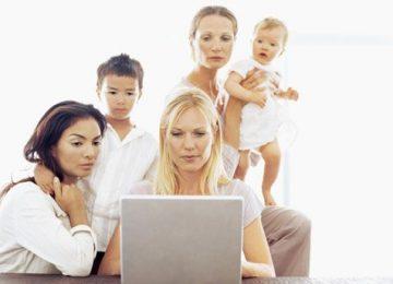 Puis-je critiquer devant mon enfant les adultes qui s'occupent de lui?